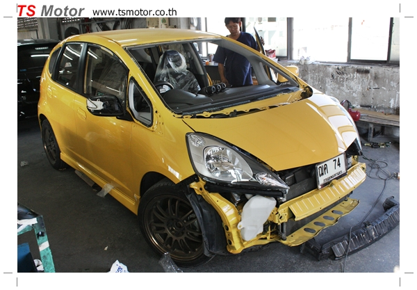 IMG 2016 งานเปลี่ยนสีรถยนต์ Honda New Jazz 2010 ดำ เป็นสีเหลือง JS จาก อู่สีรถ TS Motor