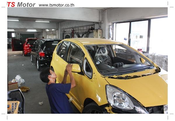 IMG 2025 งานเปลี่ยนสีรถยนต์ Honda New Jazz 2010 ดำ เป็นสีเหลือง JS จาก อู่สีรถ TS Motor