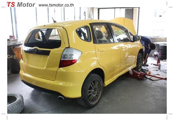 IMG 2082 งานเปลี่ยนสีรถยนต์ Honda New Jazz 2010 ดำ เป็นสีเหลือง JS จาก อู่สีรถ TS Motor