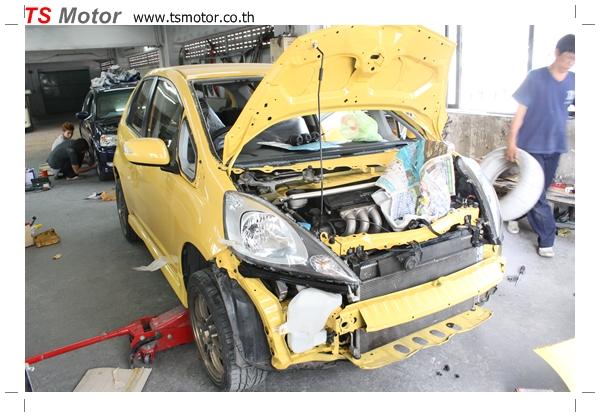 IMG 2085 งานเปลี่ยนสีรถยนต์ Honda New Jazz 2010 ดำ เป็นสีเหลือง JS จาก อู่สีรถ TS Motor