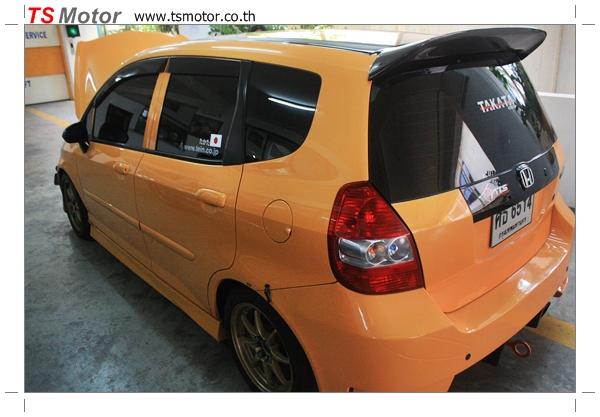 IMG 4500 งานเปลี่ยนสีรถยนต์ Honda Jazz 2007 สีส้ม หลังคาดำ ผลงานจาก อู่สีรถ TS Motor