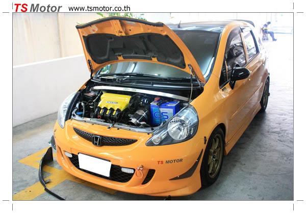 IMG 4507 งานเปลี่ยนสีรถยนต์ Honda Jazz 2007 สีส้ม หลังคาดำ ผลงานจาก อู่สีรถ TS Motor
