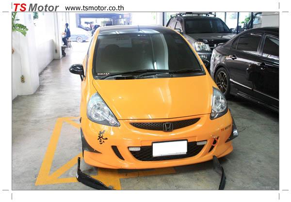 IMG 4508 งานเปลี่ยนสีรถยนต์ Honda Jazz 2007 สีส้ม หลังคาดำ ผลงานจาก อู่สีรถ TS Motor