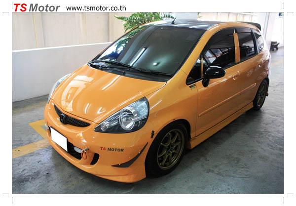 IMG 4513 งานเปลี่ยนสีรถยนต์ Honda Jazz 2007 สีส้ม หลังคาดำ ผลงานจาก อู่สีรถ TS Motor