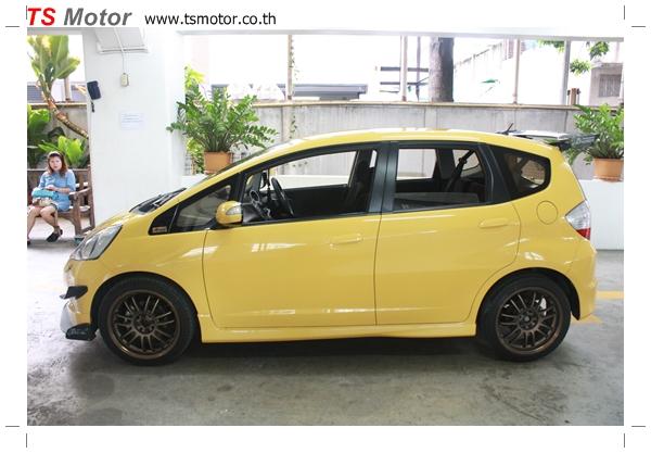 IMG 6074 งานเปลี่ยนสีรถยนต์ Honda New Jazz 2010 ดำ เป็นสีเหลือง JS จาก อู่สีรถ TS Motor