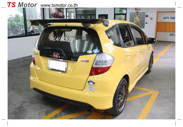 IMG 6077 งานเปลี่ยนสีรถยนต์ Honda New Jazz 2010 ดำ เป็นสีเหลือง JS จาก อู่สีรถ TS Motor