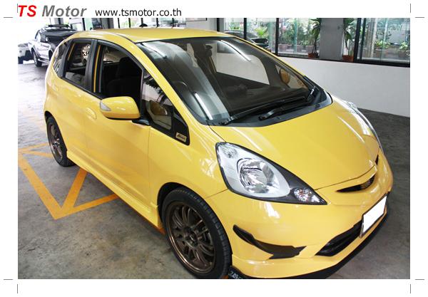 IMG 6078 งานเปลี่ยนสีรถยนต์ Honda New Jazz 2010 ดำ เป็นสีเหลือง JS จาก อู่สีรถ TS Motor