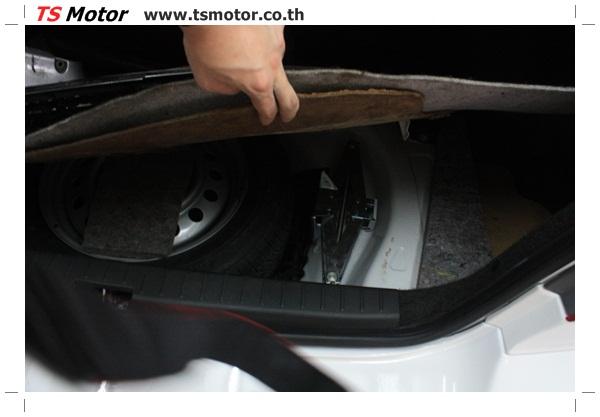 IMG 63904 อู่ซ่อมสี ศูนย์ซ่อมสี Toyota Altis  สีขาวมุก Zero Black เปลี่ยนสีรอบคัน ติดตั้งชุดแต่ง Levin โดย ศูนย์ซ่อมสีรถ TS Motor