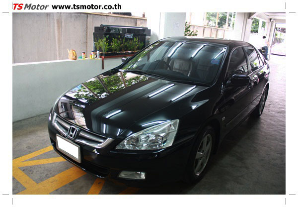 IMG 1252 งานซ่อมสีรถยนต์ Honda Accord G7 สีดำ
