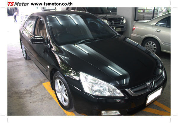 IMG 1255 งานซ่อมสีรถยนต์ Honda Accord G7 สีดำ