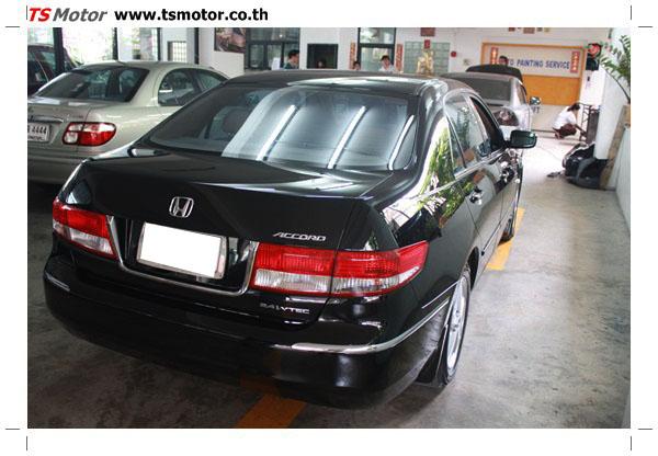 IMG 1256 งานซ่อมสีรถยนต์ Honda Accord G7 สีดำ