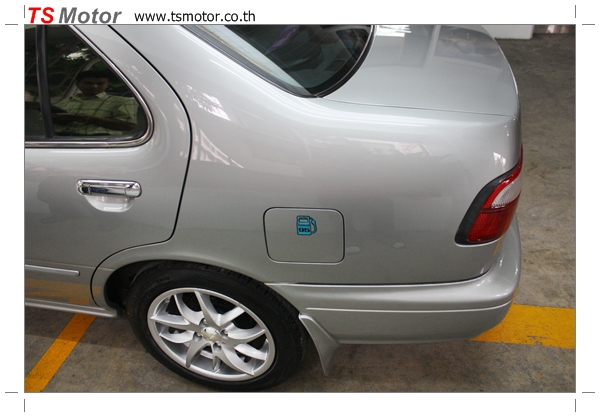 IMG 2871 งานเคาะพ่นสี เปลี่ยนอะไหล่ Nissan Sunny Saloon  สีบรอนซ์ โดยการ เคลมประกัน โดย TS Motor
