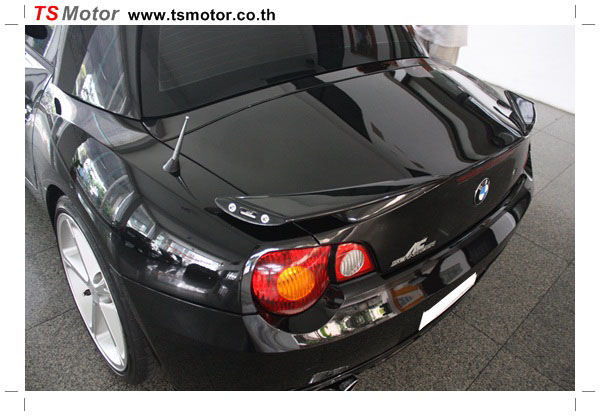 IMG 0366 BMW Z4 Repair front bumper and front skirt + Glass Coating by TS Motor Auto Painting Professional