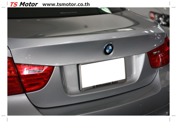 IMG 2082 งานซ่อมสีรถยนต์ BMW Series 3 E90 ชนด้านหลัง และด้านหน้า เก็บรายละเอียดเพื่อความเรียบร้อย