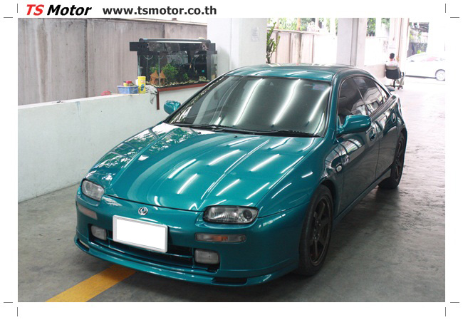 IMG 5033 งานซ่อมสีรอบคัน Mazda 323 สีฟ้า ซ่อมสีแตก สีไม่เงา เก็บงานตัวถังจากการชน