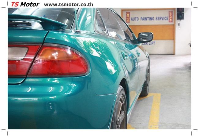IMG 5040 งานซ่อมสีรอบคัน Mazda 323 สีฟ้า ซ่อมสีแตก สีไม่เงา เก็บงานตัวถังจากการชน