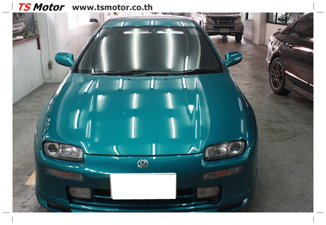 IMG 5041 งานซ่อมสีรอบคัน Mazda 323 สีฟ้า ซ่อมสีแตก สีไม่เงา เก็บงานตัวถังจากการชน
