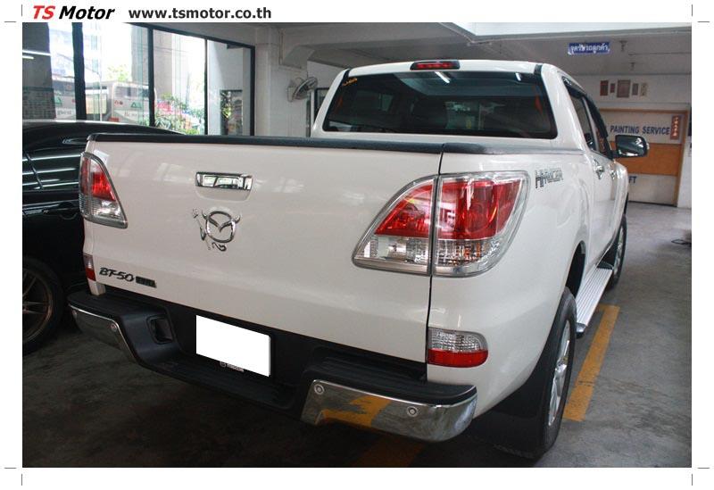 IMG 6321 งานซ่อมสีรถ Mazda BT50 สีขาว แถบกระบะจากการเบียดเสา