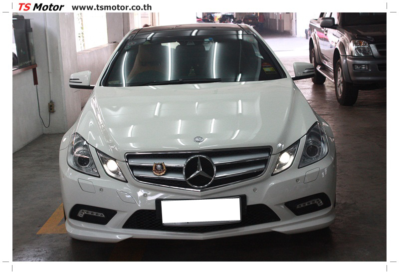 IMG 6339 งานซ่อมสีบังโคลนหน้า กันชน เปลี่ยนไฟหน้า Mercedes Benz E250 Coupe สีขาว