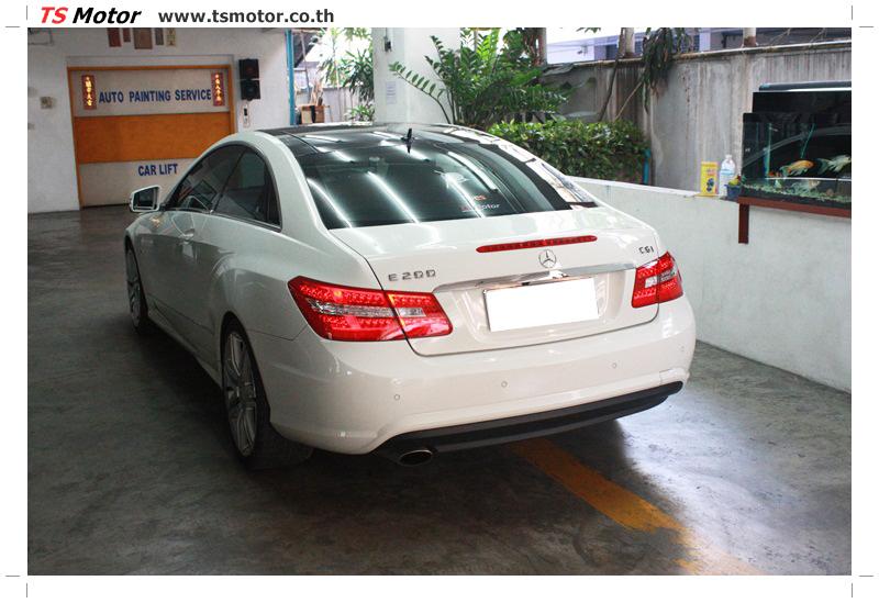IMG 6341 งานซ่อมสีบังโคลนหน้า กันชน เปลี่ยนไฟหน้า Mercedes Benz E250 Coupe สีขาว